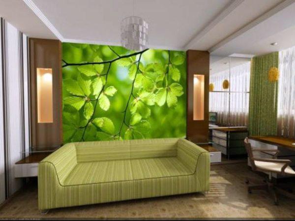 Зелёная листва в гостиной на обоях