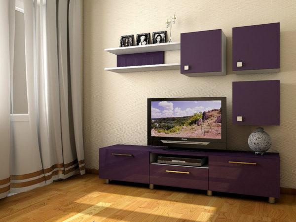 Фиолетовая стенка в интерьере