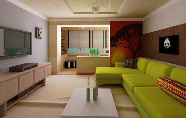 Зелёный диван в гостиной с балконом