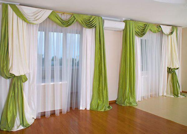 Зеленые шторы в интерьере гостиной - фото современного оформления