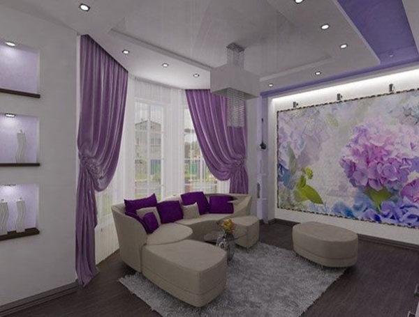Фиолетовая гостиная с эркером