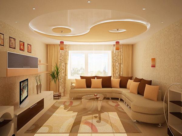 Простой интерьер гостиной в нежных цветах