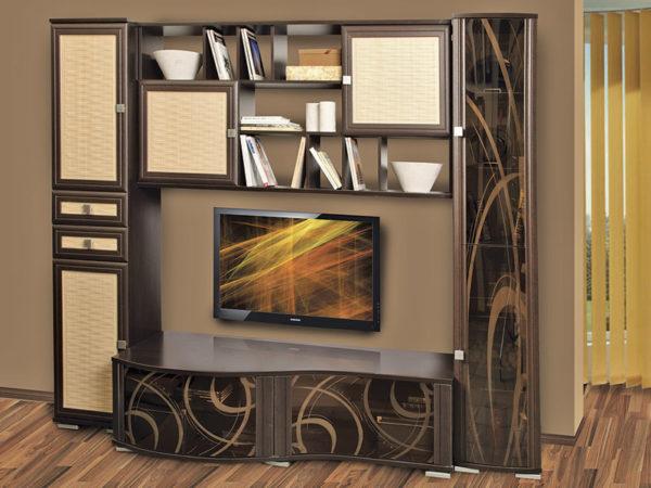Декорированая стенка-шкаф