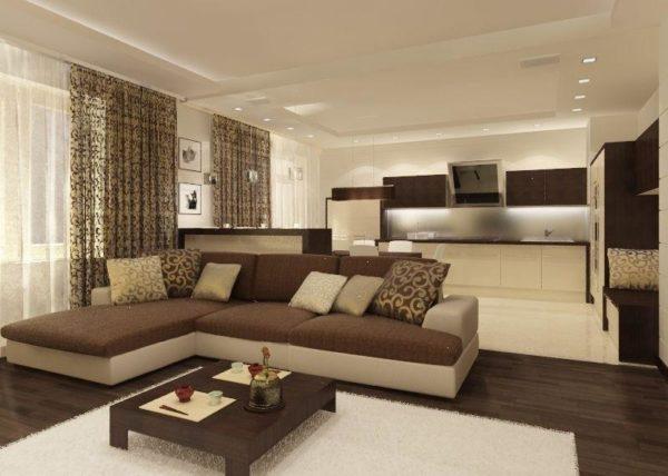 Журнальный столик и большой угловой диван