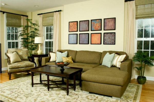 Картины и диван