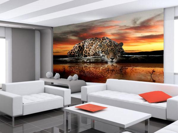 Тигр на закате в гостиной