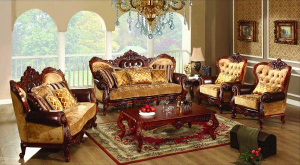 Деревянная мебель в зале