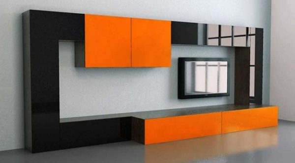 Чёрно-оранжевая стенка