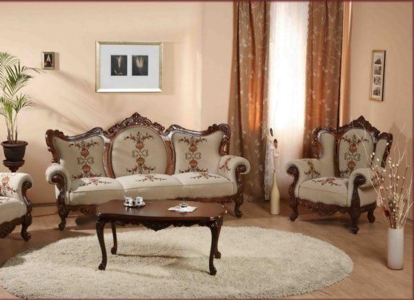Классическая деревянная мебель