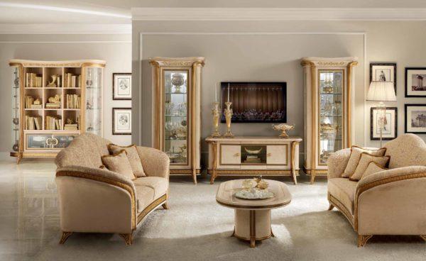 Стеклянные витрины в классическом стиле