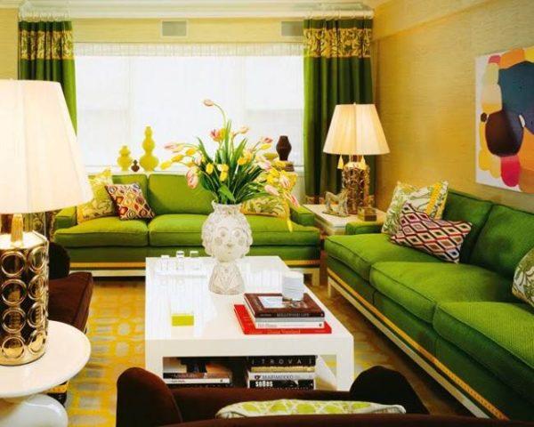 зелёный диван в интерьере гостиной фото
