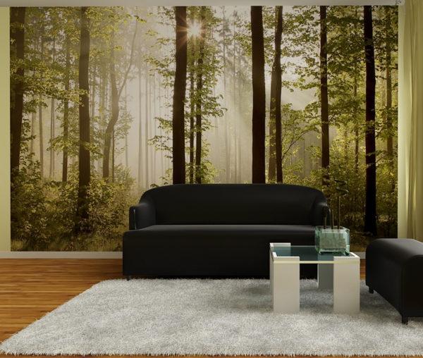 Лес на обоях в зале