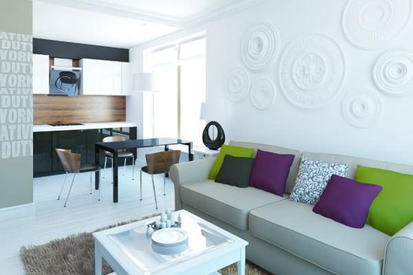 Белый диван с цветными подушками