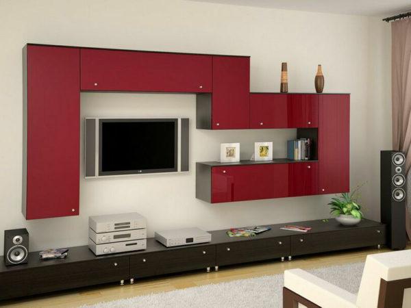 Красный верх и чёрный низ в современной стенке