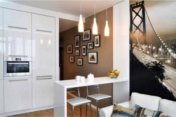 Функциональная кухня в небольшой комнате