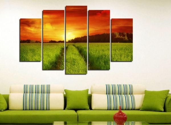 Трава и закат на картине