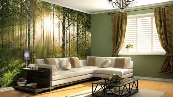 Светлый диван и фотообои в зале