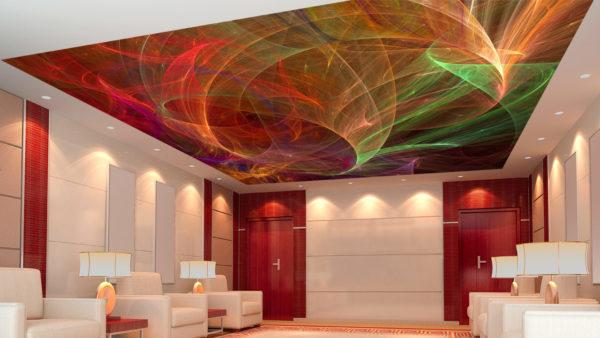Цветной потолок в гостиной