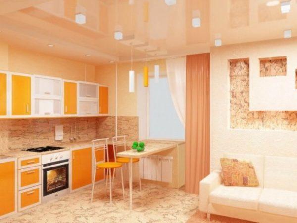 Оранжевая кухня-гостиная