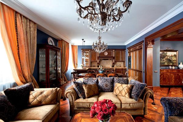 Классический интерьер с деревянной мебелью