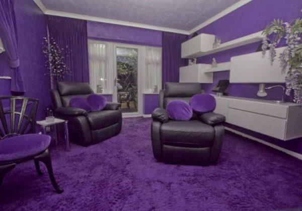 Много фиолетового в интерьере