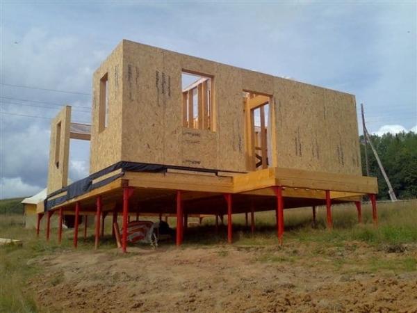 Замена фундамента под деревянным домом — методы, технические нюансы