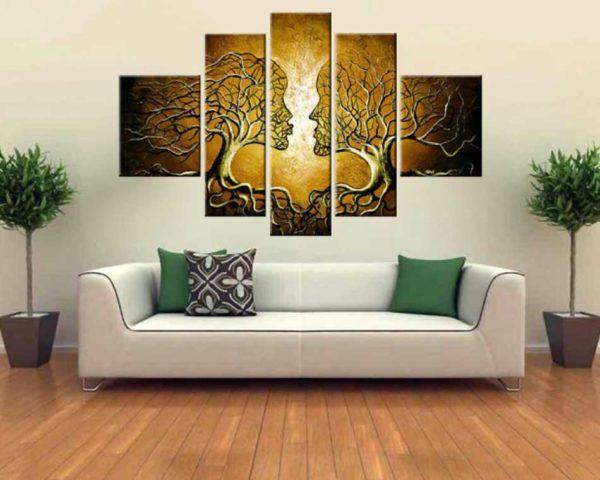 Картина с изображением деревьев в форме лиц людей
