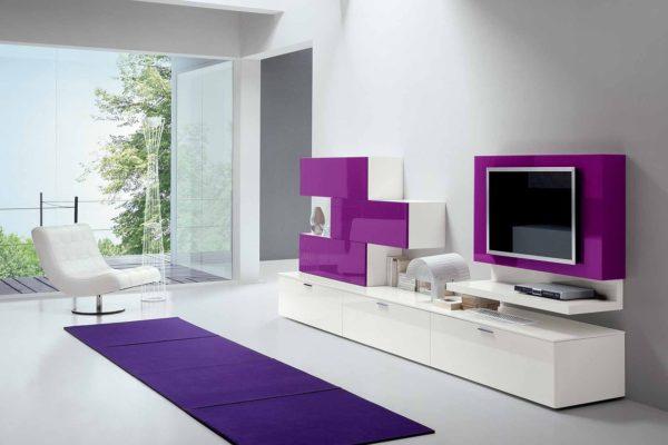 Фиолетовый цвет гостиной
