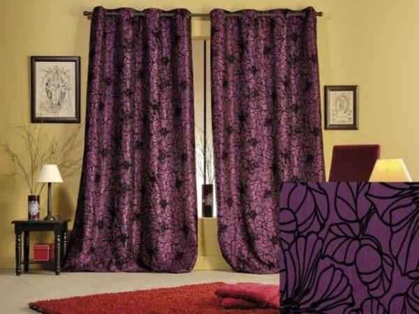 Тёмно-фиолетовые шторы с чёрным рисунком