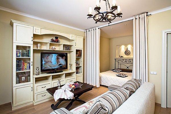 Гостиная-спальня в классическом стиле