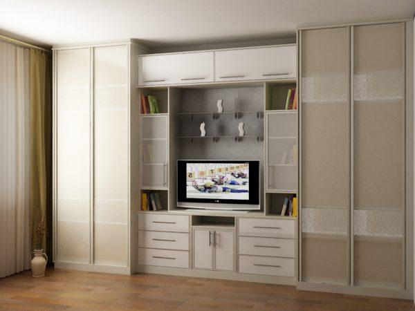 Стенка с двумя шкафами