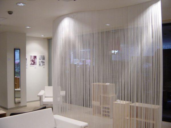 Белые нитяные шторы