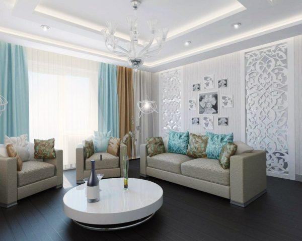 Серые диваны и бирюзовые шторы