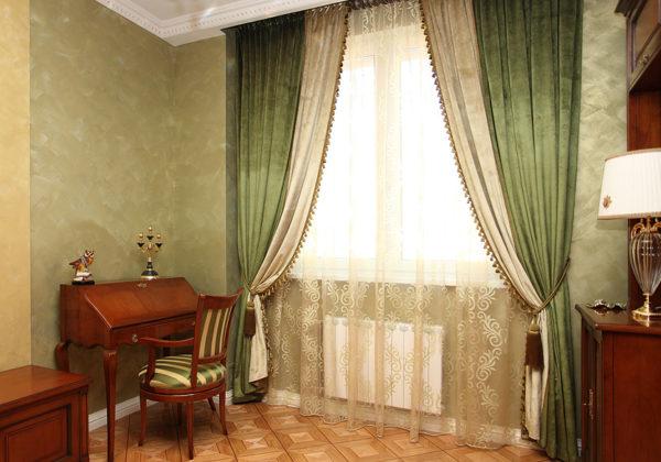 Бежево-зелёные шторы фото
