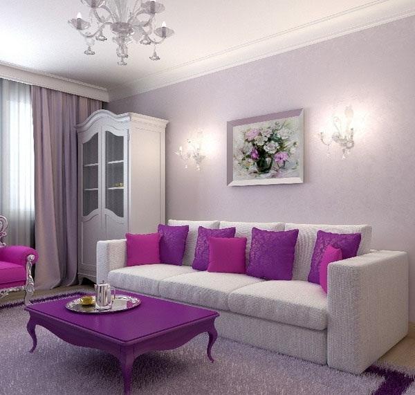 Сиреневый журнальный столик и белый диван