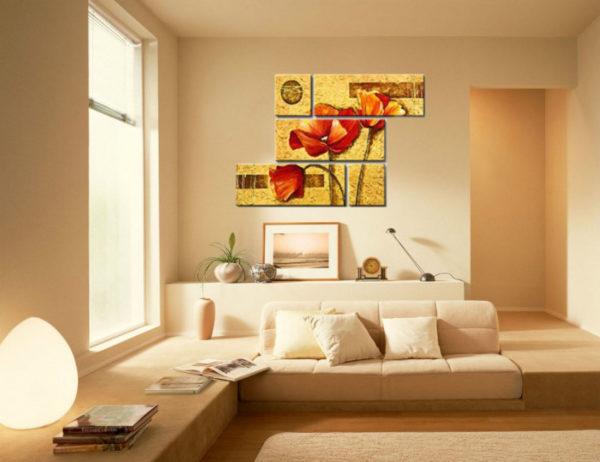 Маки на жёлтом фоне на картине
