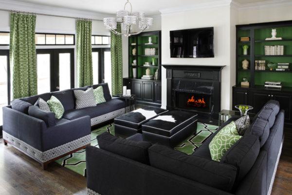 Зелёные шторы и чёрная мебель