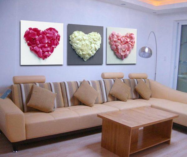 Объёмные сердца на картине