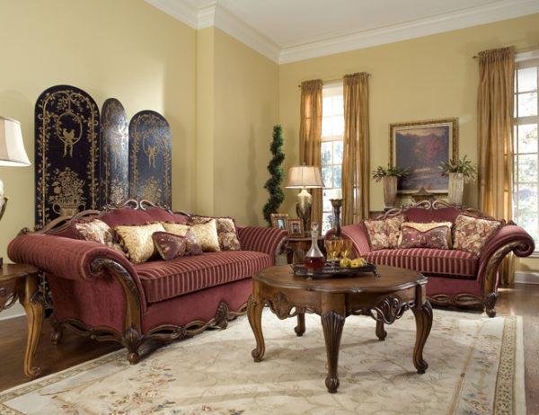 Бордовая мебель в зале