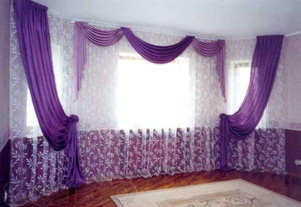 Эркерное окно со шторой