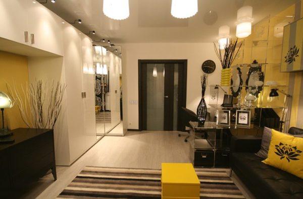 Сочетание коричневого и жёлтого цветов в интерьере гостиной