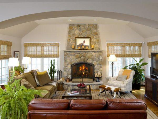 Коженный диван в интерьере
