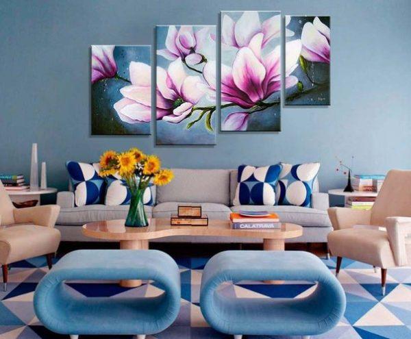 Нарисованные цветы в интерьере гостиной