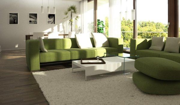 Зелёный диван в бежевом интерьере