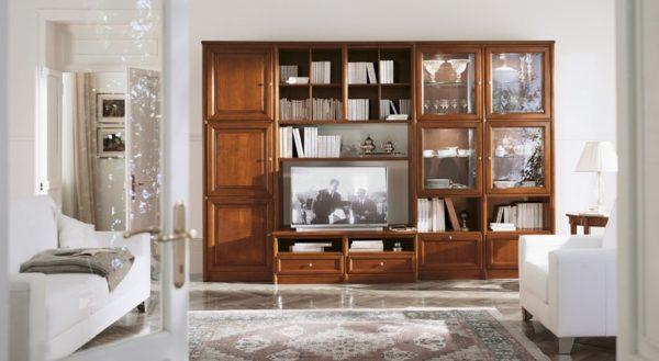 Мебель из массива в светлой гостиной