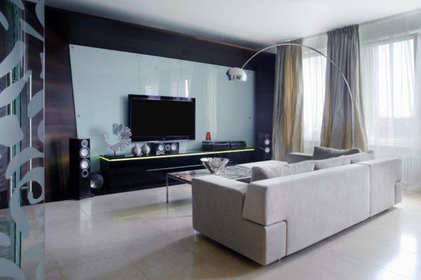 Стильная гостиная с элементами декора