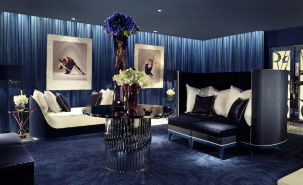 Тёмно-синяя гостиная
