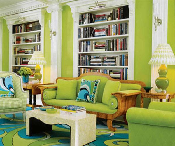 Зелёный диван в классическом стиле